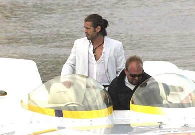 Colin Farrell como Sony Crockett