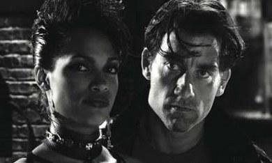 Clive Owen y Rosario Dawson en Sin City