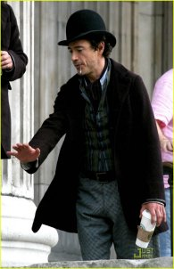 Robert Downey Jr. en el set de rodaje de Sherlock Holmes #1