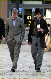 Robert Downey Jr. en el set de rodaje de Sherlock Holmes #2