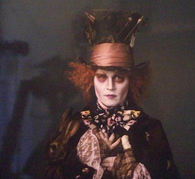 Johnny Deep caracterizado como el Sombrerero Loco