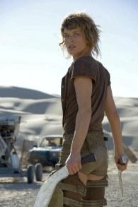 Mila Jovovich como Alice